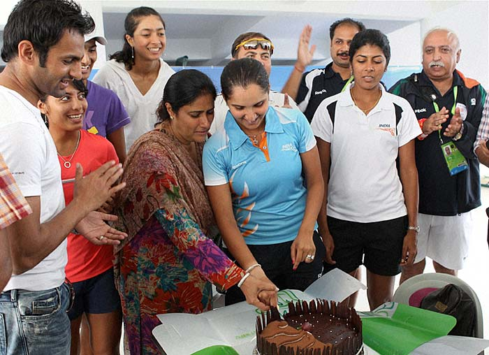 Currently in Guanzhou for the 16th Asian Games, Sania celebrated her birthday with her mother Nasima and husband Shoaib Malik.