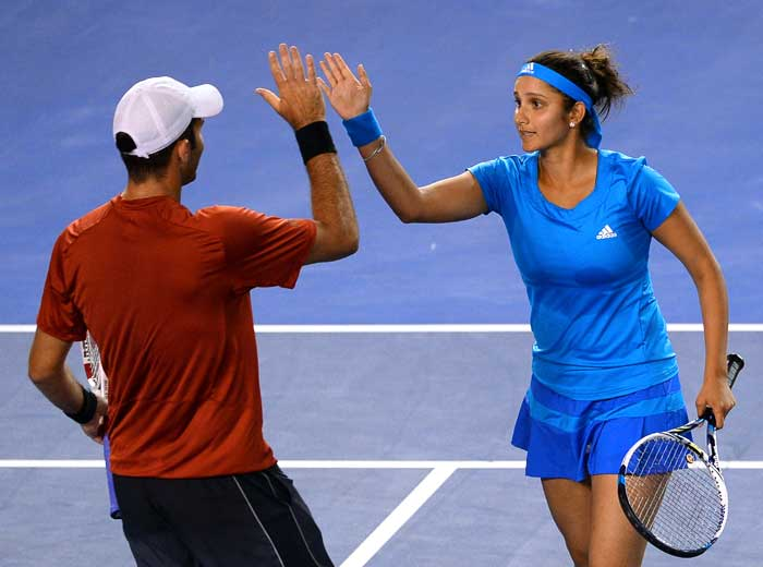 Sania and Tecau came from a set down and registered a hard fought victory (2-6, 6-3, [10-2]) over defending champions Australian pair of Jarmila Gajdosova and Matthew Eben.