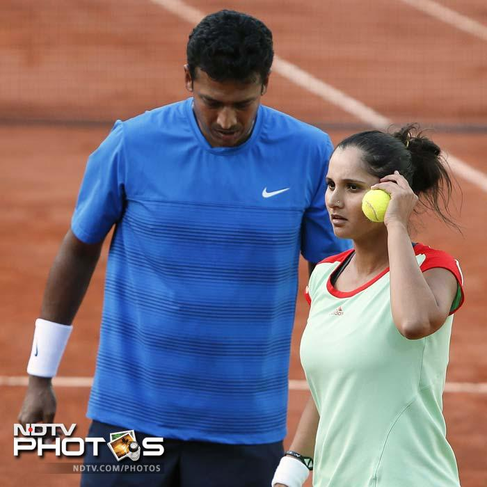 It wasn't a great start for the Indian pair, which got the first break chance in the very first game, but not only did they miss that, Sania dropped her serve in the third game.