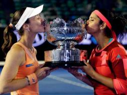 Sania Mirza, Martina Hingis Win Australian Open Doubles Title