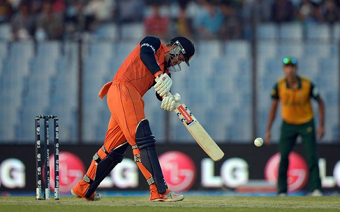 Stephen Myburgh strengthened Netherlands' chance by giving his side a quick-fire start to the run-chase.