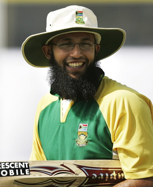 <div align = center><b>Hashim Amla</b></div><br>A run accumulator, he's made a name for feasting on Kiwi bowling. All his three Test hundreds are against New Zealand. Amla is a steadier batsman from the time he made his Test debut on Indian soil way back in 2004. <br><br> He didn't do too well then, and in the home series against India in 2006. With the weight of runs behind him in recent games, South Africa would need him to blunt Indian spin.