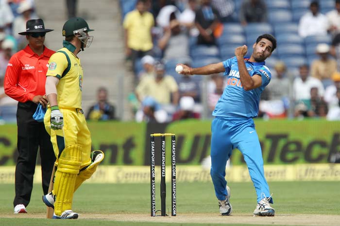 The Indian bowlers kept the Aussies in check initially.