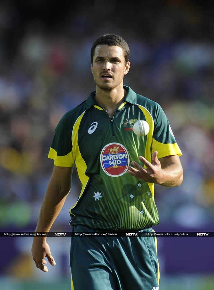 Nathan Coulter-Nile took 3 for 34 as England failed to make it to the finishing line. Australia won by five runs to take the series 4-1.