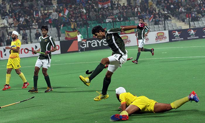 A 4-2 victory courtesy penalties earned Pakistan 9th spot in the Junior World Cup hockey.