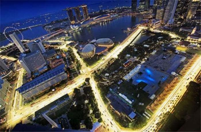 The first Formula One race here (after resurrection) was held in 2008. The Marina Bay area saw teams fighting it out at night, a first for Formula One.