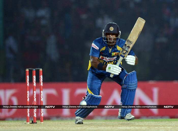 Chasing 265, Sri Lanka were off to a solid start with Kusal Perera (in pic) and Lahiru Thirimanne scoring fluently. <br><br>While Perera hit 64 off 81, his partner scored 38 to put on a 80-run stand for the opening wicket.