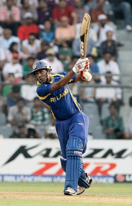 Earlier, a late charge from Angelo Mathews, who slammed an unbeaten 41 off 35 balls, lifted the Lankan target to 265. (Getty Images)