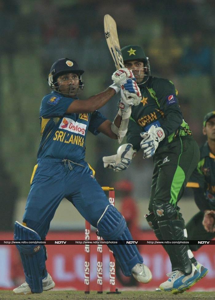 Jaywardene scored 75 off 93 balls to make Pak bowlers toil.