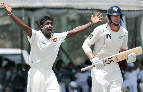 Sri Lanka's Ajantha Mendis successfully appeals for a LBW decision against New Zealand's Jacob Oram during the final day of the first Test match at The Galle International Cricket Stadium in Galle on Saturday. (AFP Photo)