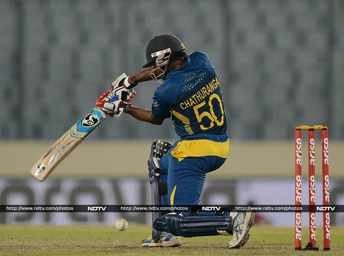 Chathuranga de Silva (44) made a valuable contribution with the bat to keep Sri Lanka alive in the middle overs. He and Mathews added 82 runs for the sixth wicket.