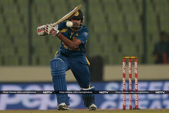 Sri Lankan opener Lahiru Thirimanne (33) held his fort as wickets tumbled at the other end.