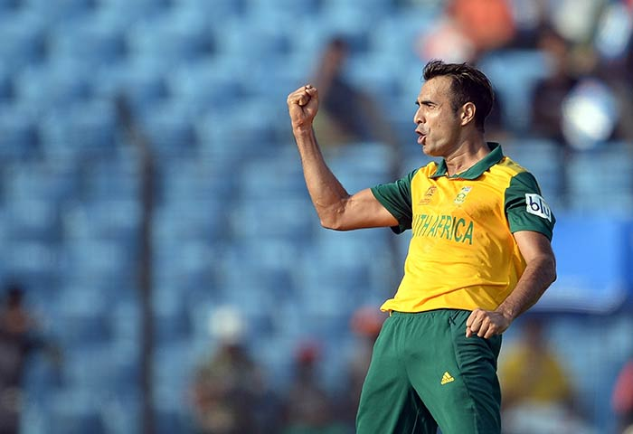 Imran Tahir pulled things back for South Africa, picking up important wickets of Kumar Sangakkara and Kusal Perera at a crucial juncture.