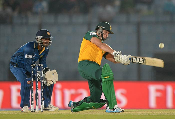 Albie Morkel smashed three consecutive sixes off Ajantha Mendis to keep Sri Lanka on their toes.