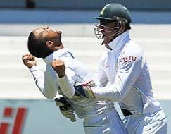 South Africa defeat India in Kallis' farewell match