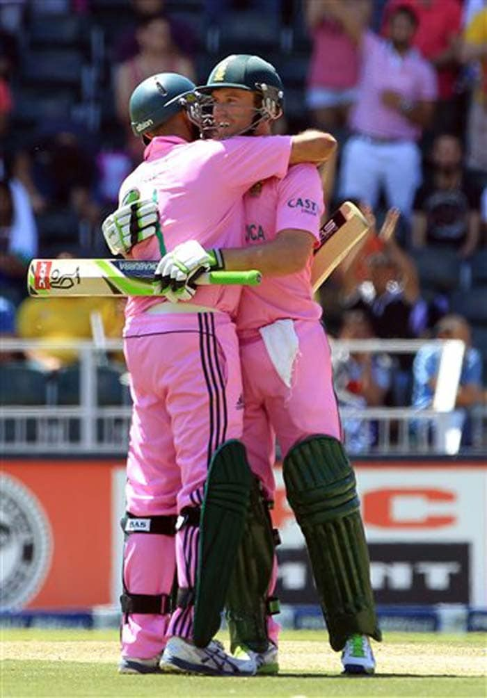 AB De Villiers and Hashim Amla put on 238 runs off 182 balls to better the mark of 237 set by India's Rahul Dravid and Sachin Tendulkar against Kenya at Bristol during the 1999 World Cup.