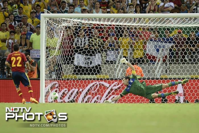 Navas scores and breaks Italian hearts.