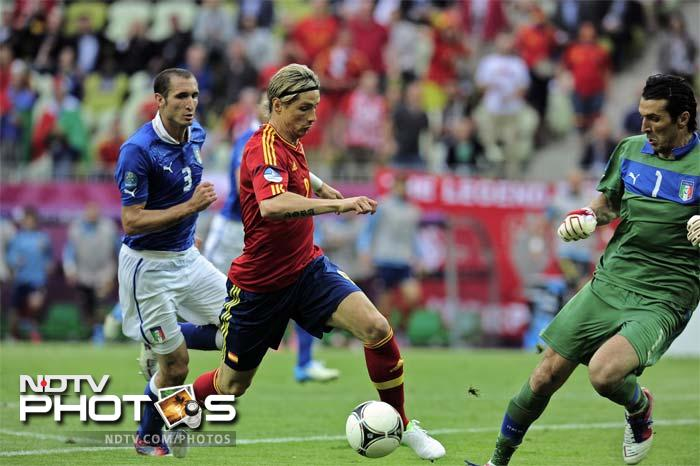 But Chelsea striker Fernando Torres missed two glorious late chances after coming off the bench to replace the goalscorer.