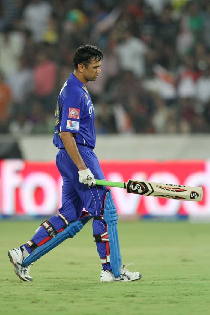 But Dravid's knock of 25 was soon to be cut short via a direct hit from Cameron White that ran him out at the non-striker's end. Dravid and Rahane tried to steal a non-existent single after a misfield by the bowler in the 8th over. Dravid's team could never recuperate from this blow. (BCCI image)