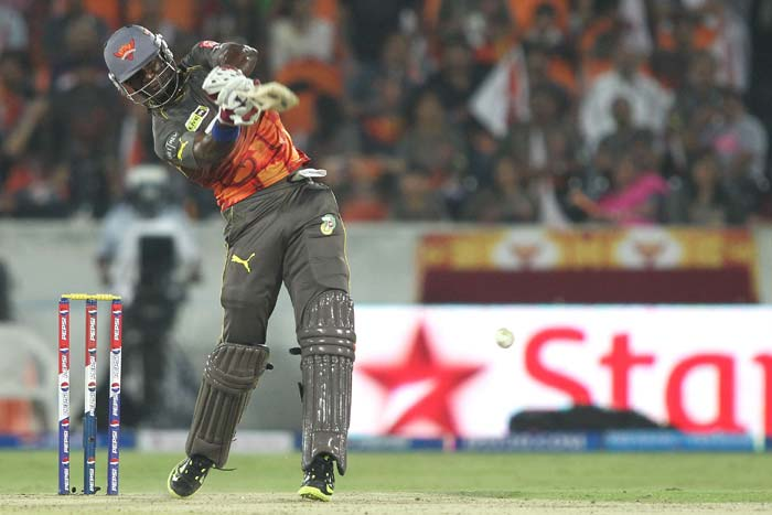 Darren Sammy hit a four and a six in his 19-ball 23 that set up a 56-run consolidating stand with Samantray. (BCCI image)