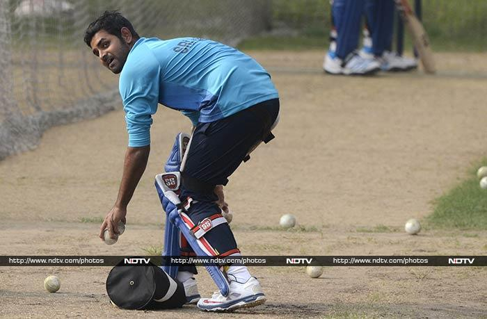 The Sri Lankan team put everthing they could in training to be fully prepared for their big World Twenty20 final match against India in Mirpur on Sunday. (All images courtesy AFP)