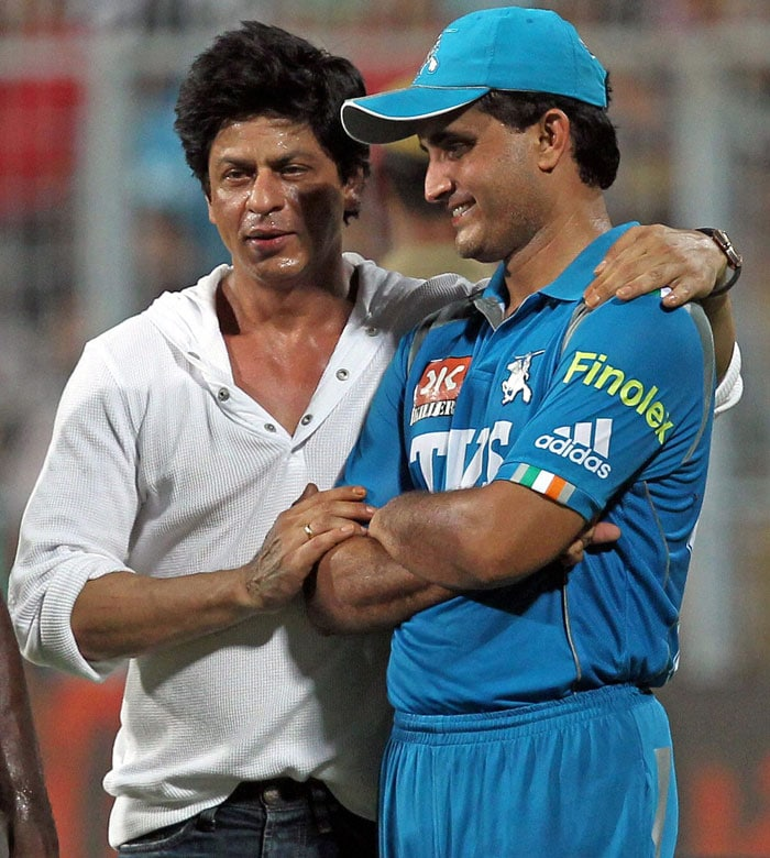 <b>Dumps Dada, infuriates Kolkata: </b>When Kolkata Knight Riders left out Sourav Ganguly after the third season, the City of Joy was enraged. And though in the last two years, Kolkata has accepted to have a team without its Prince, they were critical of Shah Rukh when Dada was given a cold shoulder.<br><br> SRK had recently expressed his annoyance at being compared with the left-hander constantly.