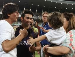 Photo : IPL 2015: Shah Rukh Khan Leads KKR's Cheer at Eden Gardens