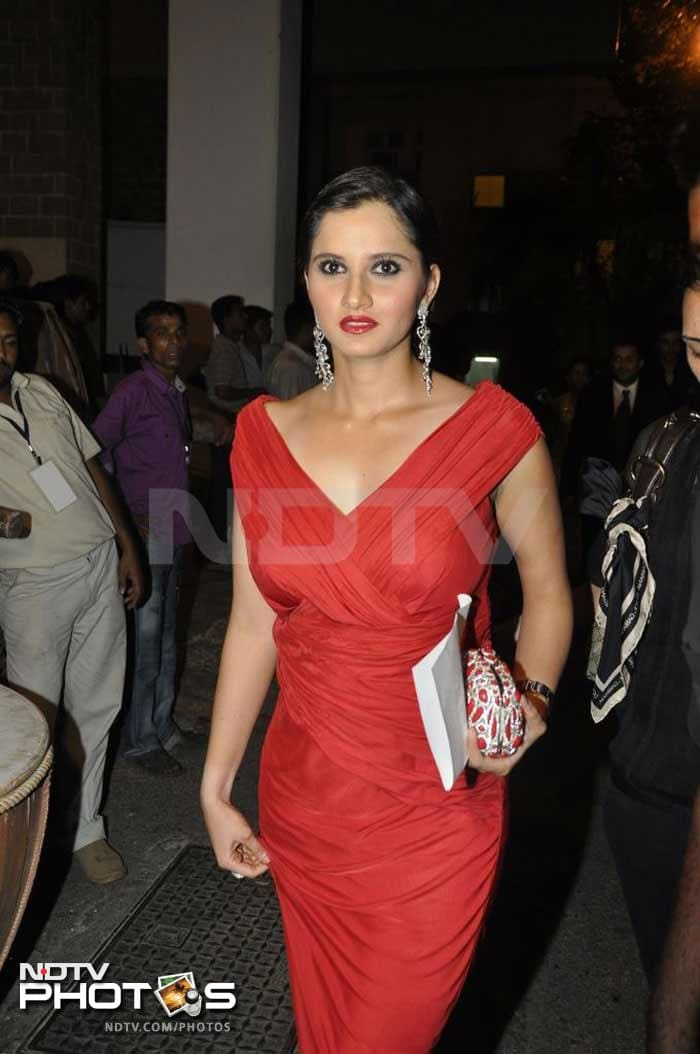 """Sania Mirza, whose season ended early due to a knee surgery, had confirmed that she had been invited for the Grand Prix and would be among the spectators. She also tweeted about her experience, """"A day at the races..what a fun:) Sebastian Vettel won,and it was superbly organized..great day."""""""