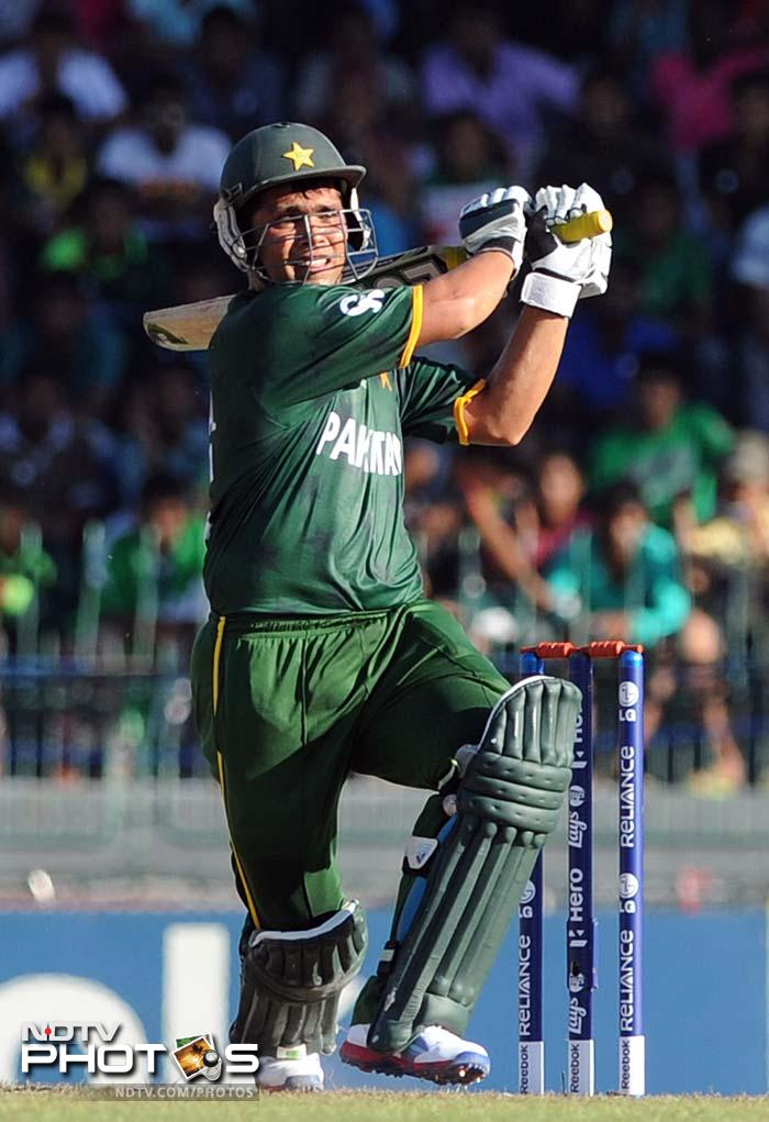 Kamran Akmal and Nasir Jamshed got together at 29/2 when Imran Nazir was removed. Eventually, there's would be the only partnership of significance in the Pakistan innings.
