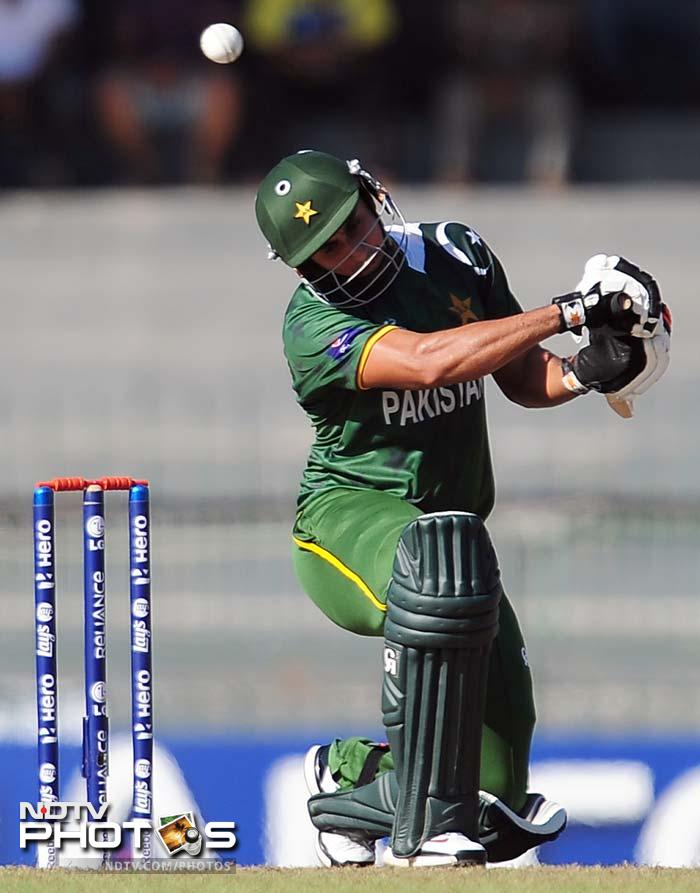 Nasir Jamshed started off cautiously but gathered momentum mid-way through his innings. Him and Kamran Akmal added 79 to propel Pakistan innings on a tricky looking pitch.