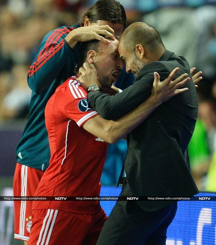 Bayern drew level on 47 minutes when Ribery's right-footed shot rifled past the diving Cech, leading to the Frenchman sprinting into Guardiola's arms and planting a kiss on the Spaniard's forehead.