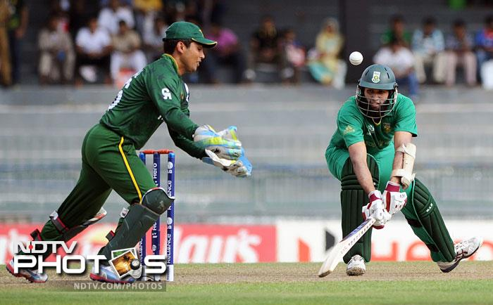 Earlier, Kamran Akmal was back to doing what he does best, miss stumpings and catches. He did both of them in a single delivery when Hashim Amla danced down the track to the rookie spinner Raza Hasan. Akmal was saved the blushes as the South African batsman got out cheaply in the very next over to Yasir Arafat.