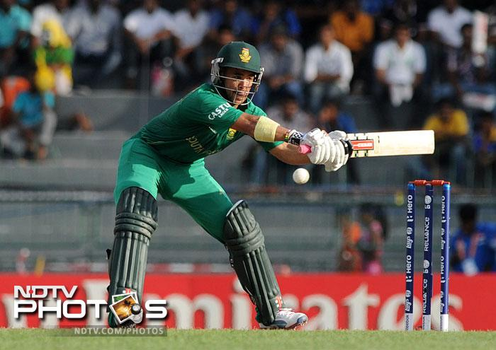 JP Duminy played the innings of the day for South Africa though, scoring 48 off 38 balls to not only solidify the tattering batting but also along with De Villiers ensure a fighting total.