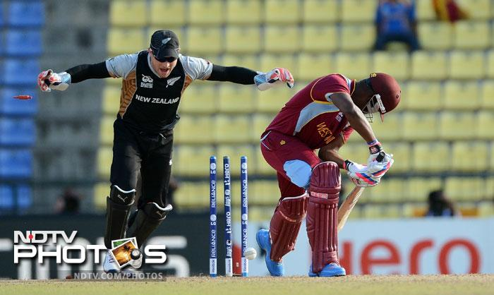 For a brief period after Gayle's departure, Marlon Samuels and Darren Bravo <i>(playing in place of an injured Dwayne Bravo)</i>, tried to steady the calypso ship but first Samuels and then Bravo's dismissal rocked the West Indian middle-order badly.