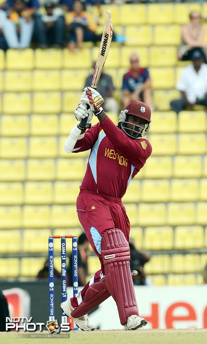 'Gangnam' Chris Gayle was looking in sublime form yet again. He reached 30 just off 13 balls before a snorter by Tim Southee got him caught by Brendon McCullum. Gayle hit three 4s and two sixes.