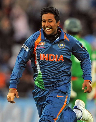 Pragyan Ojha of India celebrates after taking the wicket of Zunaed Siddique of Bangladesh during the ICC World Twenty20 match against Bangladesh at Trent Bridge, Nottingham. (AFP Photo)