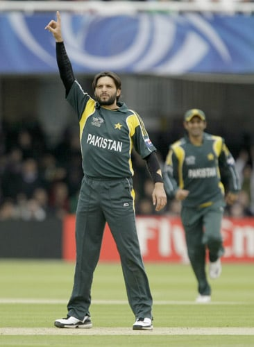 Shahid Afridi celebrates clean bowling Bas Zuiderent during the ICC World Twenty20 match between the Netherlands and Pakistan at Lord's in London. (AP Photo)