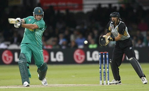 Graeme Smith plays a shot watched by Peter McGlashan during their ICC World Twenty20 match at Lord's in London. (AFP Photo)
