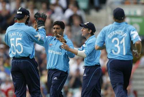 Majid Haq celebrates the wicket of Jacques Kallis during their ICC World Twenty20 Cup match at the Oval ground in London. (AFP Photo)