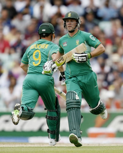 AB de Villiers runs between wickets with teammate Mark Boucher during their ICC World Twenty20 Cup match against Scotland at the Oval ground in London. (AFP Photo)
