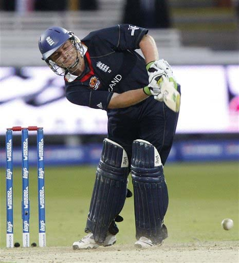 England's Luke Wright plays a shot off the bowling of West Indies' Fidel Edwards during their warm-up Twenty20 World Cup match at Lord's cricket ground in London, on Wednesday. (AP Photo)