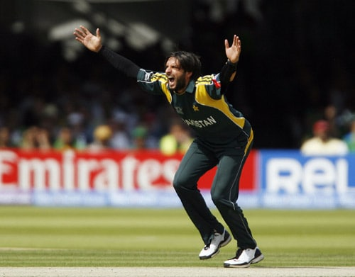 Shahid Afridi appeals unsuccessfully for the wicket of Kumar Sangakkara during the ICC World Twenty20 final at Lord's. (AFP Photo)