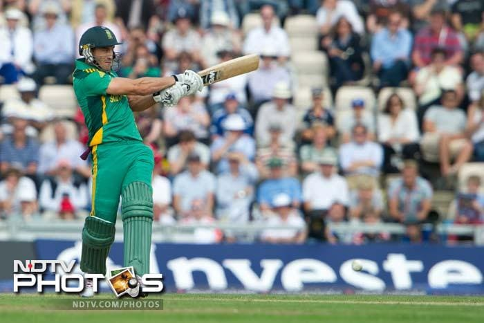 <b>Faf du Plessis</b>: This one is an interesting prospect, especially with his explosive batting and brilliant fielding. The 28-year-old, who plays for Chennai Super Kings in the IPL, is not new to the sub-continent conditions and can be quite a headache for the bowlers if he gets going.