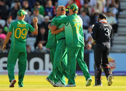 Jaques Kallis celebrates after taking the wicket of Owais Shah during the ICC World Twenty20 match at Trent Bridge in Nottingham. (AFP Photo)