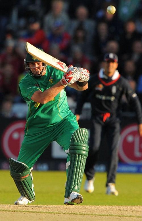 Jaques Kallis scores runs during the ICC World Twenty20 match against England at Trent Bridge in Nottingham. (AFP Photo)
