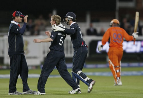 Paul Collingwood celebrates after taking the wicket of Tom De Grooth during their ICC World Twenty20 Cup match at Lord's in London. (AFP Photo)