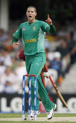 Wayne Parnell celebrates the wicket Kieron Pollard during the ICC World Twenty20 match at the Oval in London. (AFP Photo)