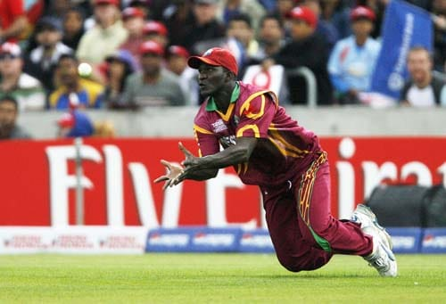 Darren Sammy catches Jehan Mubarak for seven runs during the ICC World Twenty20 semi-final match at the Oval. (AFP Photo)