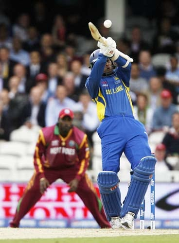 Tillakaratne Dilshan bats against the West Indies during the ICC World Twenty20 semi-final match at the Oval. (AFP Photo)