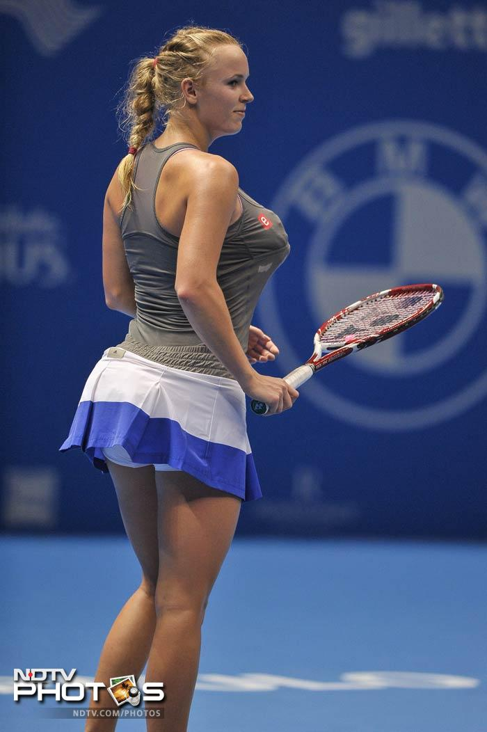 Going by the pictures, Wozniacki took 'pains' to get her act as close to the real deal as possible.